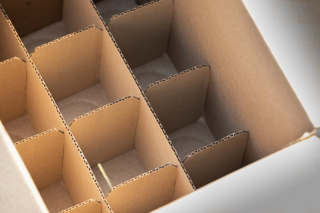 cardboard partition for shipping wine bottles